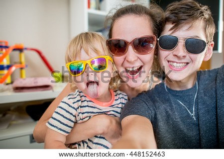 selfie family photo