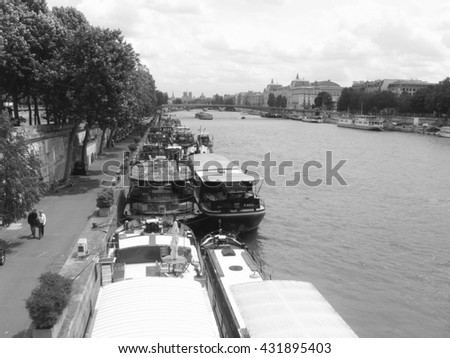 Senna river: Paris