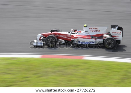 SEPANG, MALAYSIA - APRIL 3 : Toyota Formula One driver Timo Glock of Germany drives his car during the first practice session during 2009 Malaysian Formula 1 Grand Prix April 3, 2009 in Sepang.