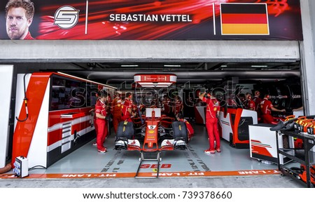 F1 garage stock images royalty free images vectors for Garage ad agde