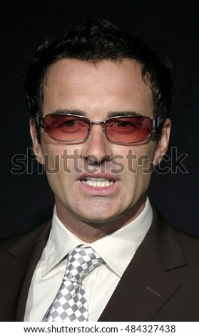 September 10, 2005. Julian McMahon at the FX Networks NIP/TUCK 3rd Season Premiere Screening at the El Capitan Theatre Hollywood, California USA