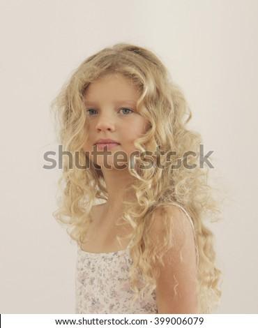 The blonde hair girl horor porno pics