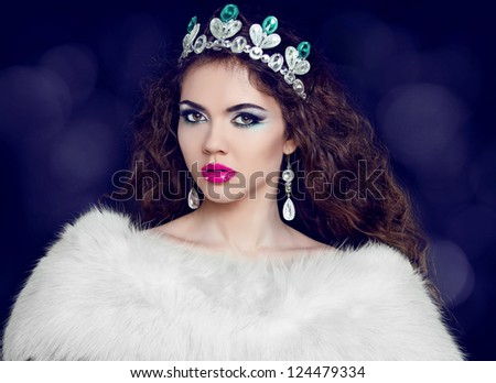 Sexy lady in Luxury. Jewelry and Beauty. Fashion art photo - stock photo