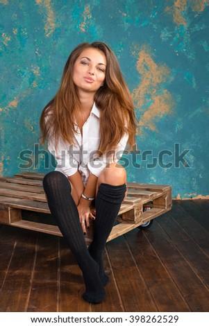 sexy-girl-in-leg-warmers