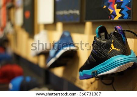 nike clothing stores