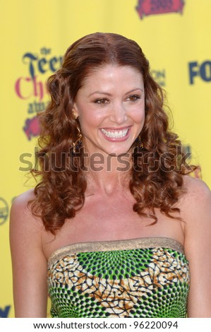 SHANNON ELIZABETH at the 2005 Teen Choice Awards at Universal Amphitheatre, Hollywood. August 14, 2005; Los Angeles, CA:    Paul Smith / Featureflash