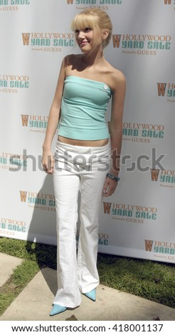 Shelley Buckner at the W Magazine Hollywood Yard Sale held at the W Mag in Los Angeles, USA on September 12, 2004.