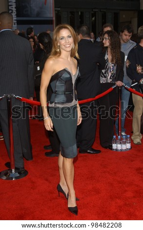 SHERYL CROW at the 31st Annual American Music Awards in Los Angeles. November 16, 2003  Paul Smith / Featureflash