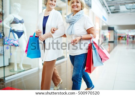 Shoppers at leisure