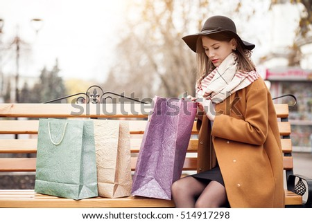 shopping autumn phone woman