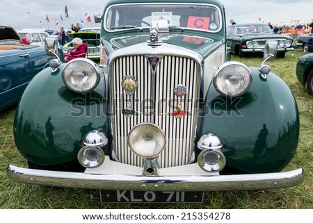 SHOREHAM-BY-SEA, WEST SUSSEX/UK - AUGUST 30 : Old Rover 75 parked on Shoreham Airfield in West Sussex on August 30, 2014. Unidentified people. - stock photo