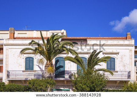 Sicilian house with palm trees - Pozzallo, Sicily, Italy