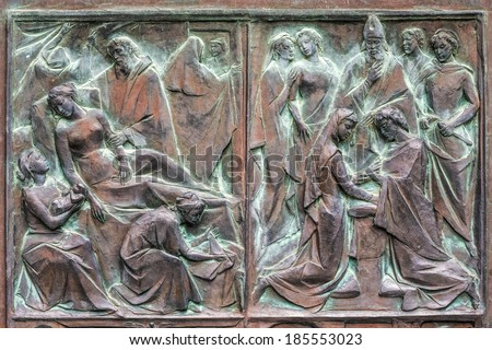SIENNA, TUSCANY/ITALY - MAY 18 : Door panel of the Cathedral in Sienna on May 18, 2013
