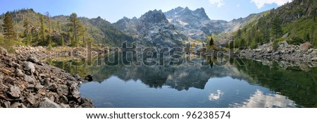 Sierra Buttes & Upper Sardine Lake at Tahoe NF - stock photo