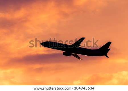 Silhouette, Airplane in the sky