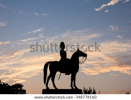 Sillhouette The Equestrian Statue of King Chulalongkorn  in the morning