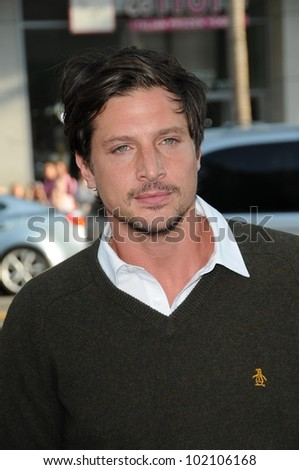 "Simon Rex at the ""Splice"" Los Angeles Premiere, Chinese Theatre, Hollywood, CA. 06-02-10"