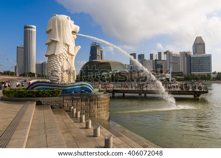 Singapore, 26 Feb 2016: Tourists enjoying themsleves at Merlion Park.