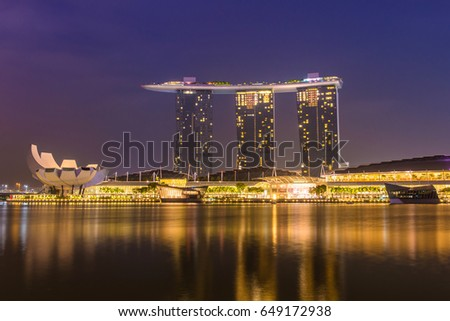 SINGAPORE-May 1, 2017 : landscape of marina bay in Singapore at night.