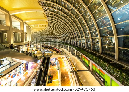 SINGAPORE - NOVEMBER 24, 2016: The Shopping Mall At Marina Bay Sands Resort On NOVEMBER 24, 2016 In Bayfront, Singapore. The Mall Is One Of Singapore Largest Luxury Shopping Malls