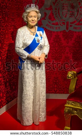 Singapore - September 15,2015 : The wax figure of Queen Elizabeth II in Madame Tussauds Singapore.