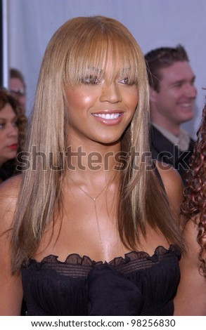 Singer BEYONCE KNOWLES at the 30th Annual American Music Awards in Los Angeles. 13JAN2003.   Paul Smith / Featureflash - stock photo