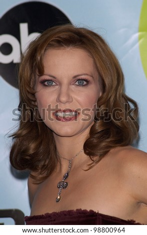 Singer MARTINA McBRIDE at the 2001 Radio Music Awards at the Aladdin Hotel & Casino, Las Vegas. 26OCT2001.  Paul Smith/Featureflash