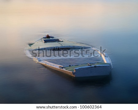 Old Sinking Boat Stock Photos, Royalty-Free Images & Vectors ...