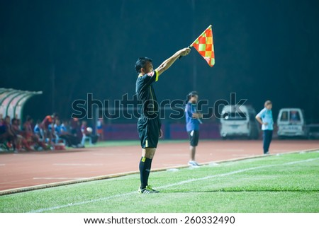SISAKET THAILAND-MARCH 7: line referee on soccer match during Thai Premier League between Sisaket FC and Gulf Saraburi FC at Sri Nakhon Lamduan Stadium on March 7,2015,Thailand - stock photo