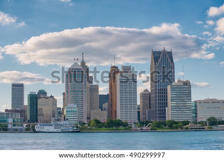 Skyline of downtown Detroit buildings from Windsor, Ontario