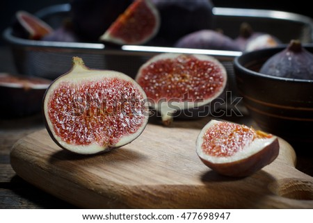 Sliced figs on the table