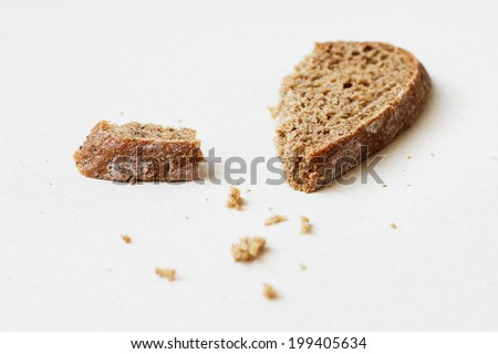 Slices of rye bread and crumbs
