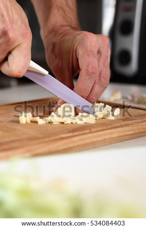 Slicing Garlic