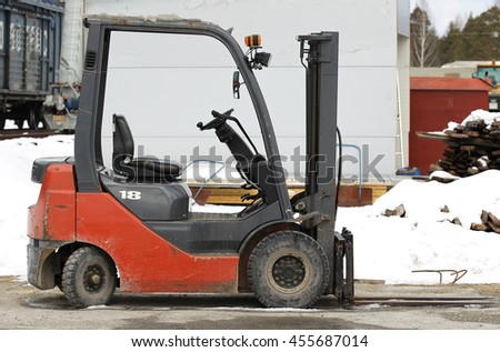 small nimble Electric Forklift for work in production