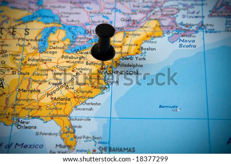 Small pin pointing on Washington (USA) in map of North America - stock photo
