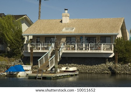 smaller home in a housing community in Northern California with waterfront access to the delta