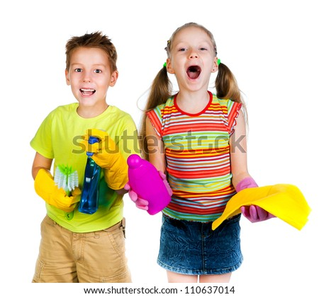 smiling kids with a rag and can of detergent