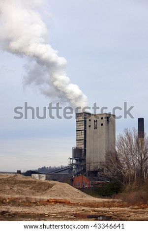 Smoke stack showing smoke and pollution from industrial site