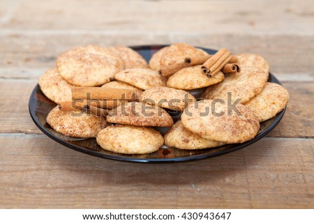 Snickerdoodle cookies with cinnamon