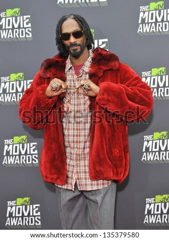 Snoop Dogg at the 2013 MTV Movie Awards at Sony Studios, Culver City. April 14, 2013  Los Angeles, CA Picture: Paul Smith - stock photo