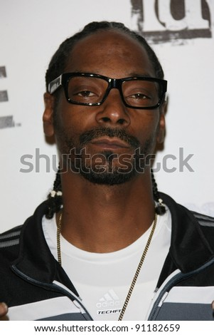 """Snoop Dogg at the """"Rage"""" Official Launch Party, The Rage, Los Angeles, CA 09-30-11 - stock photo"""