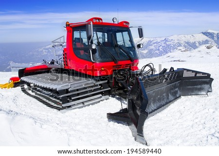 Snowcat, machine for snow removal, preparation ski trails