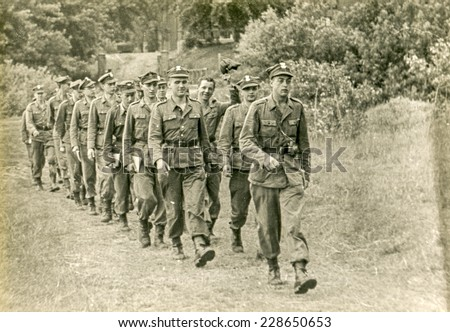 SOCZEWKA, POLAND, CIRCA SIXTIES: Young soldiers exercise during a military training