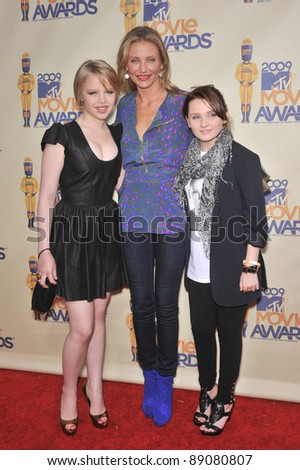 Sofia Vassilieva (left), Cameron Diaz & Abigail Breslin at the 2009 MTV Movie Awards at Universal Studios, Hollywood. May 31, 2009  Los Angeles, CA Picture: Paul Smith / Featureflash