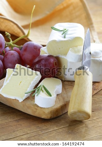soft cheese with a white mold  (brie, camembert)