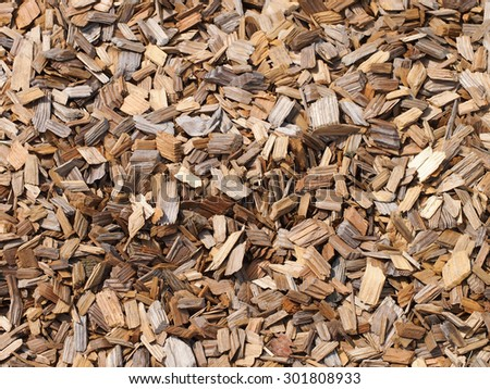 Solid surface bulk shredded waste wood shavings