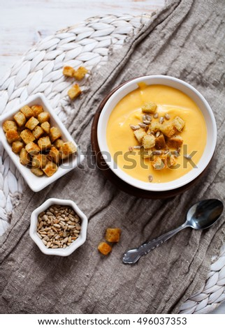 Soup with sweet potatoes, carrots and coconut