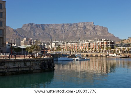 South Africa, Cape Town, V&A Waterfront with Table Mountain in background