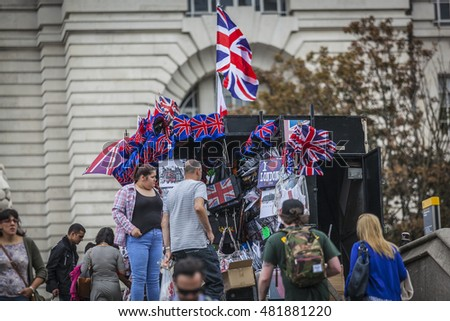SOUVENIR SELLERS, LONDON, ENGLAND-19th AUG 2015:-Souvenirs are for sale to tourists and locals alike, patriotism is the order of the day.