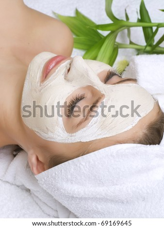 Spa facial clay mask